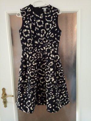 Wunderschönes Scuba-Kleid im Leo-Look