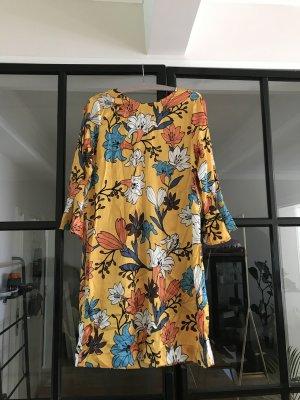 Wunderschönes Seiden-Kleid mit tollem Print von Joyce & Girls.
