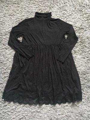Wunderschönes Skaterkleid asos schwarz Größe 42