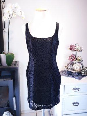 Wunderschönes Spitzenkleid von Zara Basic Gr S Spitze Kleid Midikleid schwarz Etui Etuikleid schwarze edel elegant