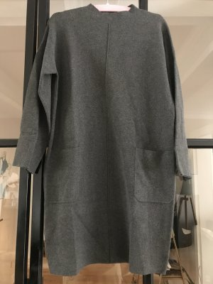 Wunderschönes Strickkleid von Esisto mit Taschen.