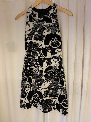 Wunderschönes tailliertes Kleid von Zara