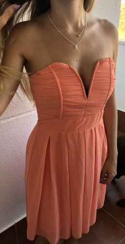 Wunderschönes TFNC Kleid in s
