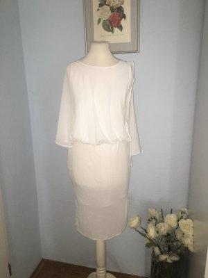 Wunderschönes weißes Chiffonkleid
