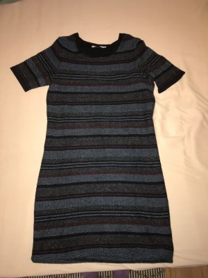 Wunderschönes Woll / Winter Kleid | ARMEDANGELS