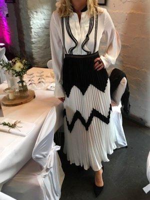 Wundervolles Plissee-Kleid von self-portrait