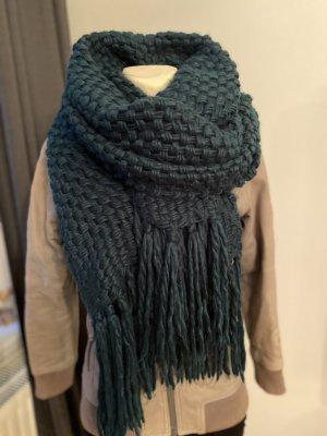 Écharpe en tricot vert foncé