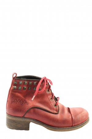 Xyxyx Desert Boots red casual look