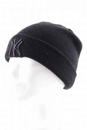 New Era Beanie black embroidered lettering casual look