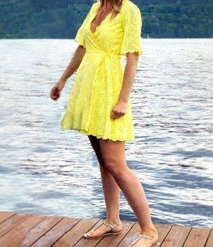 YAS Gr. L gelb Kleid Minikleid Wickelkleid Sommerkleid Lochmuster