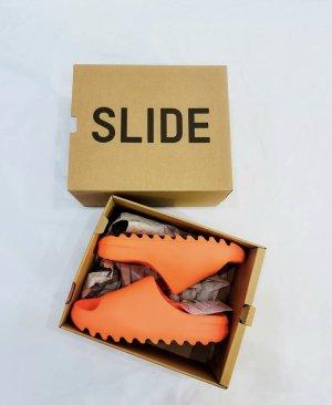 Yeezy Comfortabele sandalen oranje