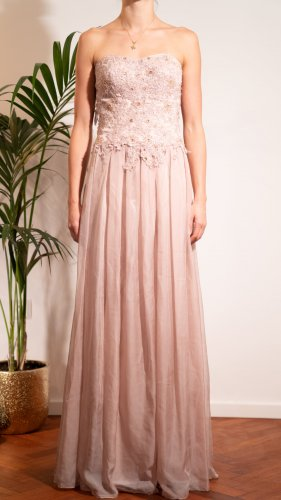 Young Couture Abiball/ Abendkleid Neu aber mit kleinem Fleck zu verkaufen