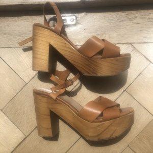 Zara Sandalo con plateau marrone-marrone chiaro