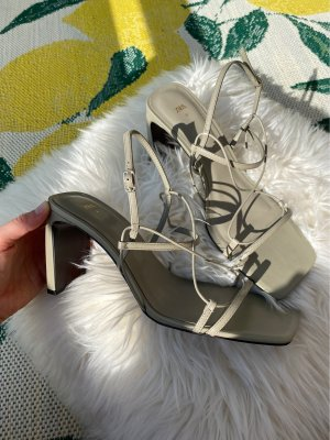 Zara Absatz Sandalen