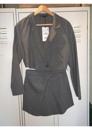 Zara Anzug Set Kostüm Rock und Crop Blazer neu L und S Nadelstreifen Grau