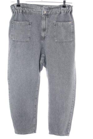 Zara Vaquero holgados gris claro look casual