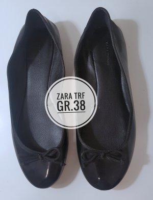 Zara Trafaluc Bailarinas de charol con tacón negro