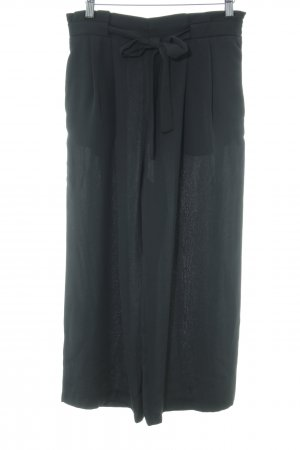 Zara Basic 7/8-Hose schwarz Street-Fashion-Look