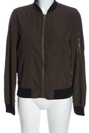 Zara Basic Bomber Jacket brown casual look