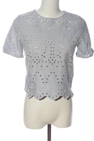 Zara Basic Cropped Top hellgrau Schriftzug gestickt Casual-Look