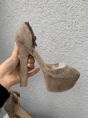 Zara Basic Echt  khaki pumps gr 38