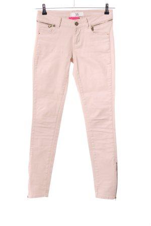 Zara Basic pantalón de cintura baja crema look casual