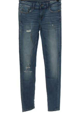 Zara Basic Hüftjeans blau Street-Fashion-Look