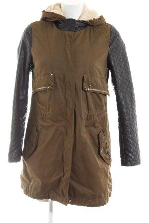 Zara Basic Kapuzenjacke braun-schwarz Steppmuster Casual-Look