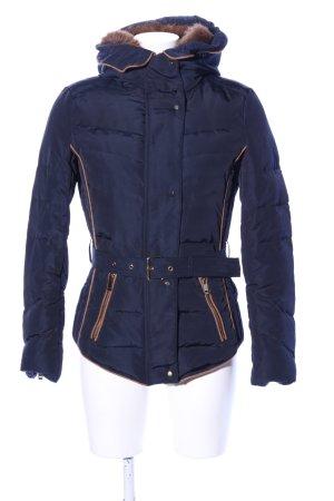 Zara Basic Kapuzenjacke blau Steppmuster Casual-Look