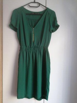 Zara Basic Kleid grün XS 34 tailliert schick