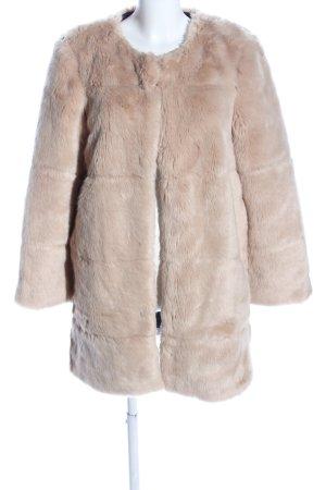 Zara Basic Fake Fur Jacket cream casual look