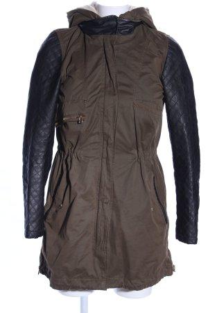 Zara Basic Parka marrón-negro estampado acolchado look efecto mojado