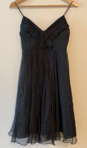 Zara basic - schickes Abendkleid mit süßer Flechtung beim Dekolleté
