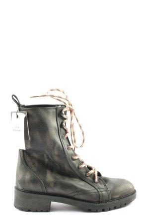 Zara Basic Schnür-Stiefeletten schwarz-wollweiß Casual-Look