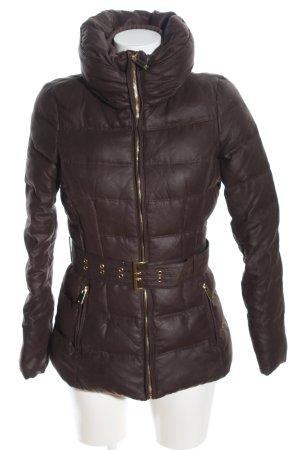 Zara Basic Winterjacke braun Steppmuster Casual-Look