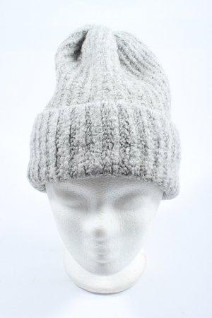 Zara Beanie light grey flecked casual look