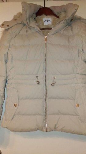 Zara - Beige Winterjacke mit Felleinsatz