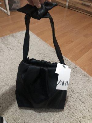 Zara Torebka typu worek czarny