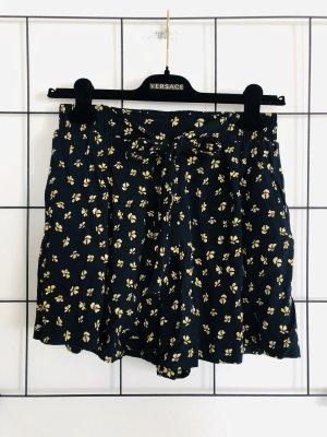 Zara Blümchen Short Shorts Hose Blümchenhose