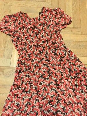 Zara Blümchenkleid Gr. M schwarz rot Print Blumen Sommerkleid