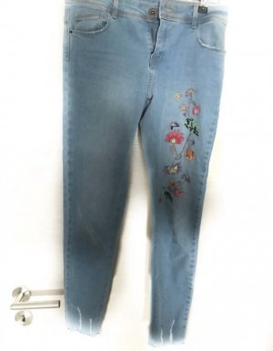 zara Blumen Jeans
