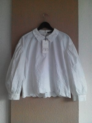 Zara Bluse mit Stickerei aus 100% Baumwolle, Größe M, neu