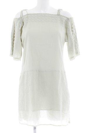 Zara Blusenkleid blassgrün Street-Fashion-Look