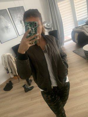 Zara Bomberjacke