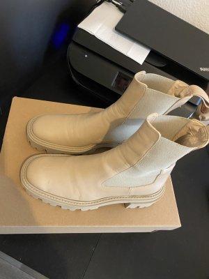 Zara Boots in Beige
