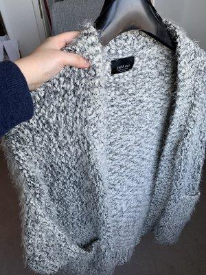 Zara Szydełkowany sweter czarny-biały