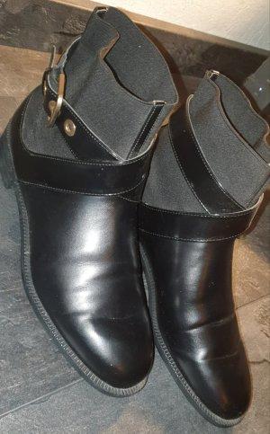 Zara Chelsea Boots mit Schnalle