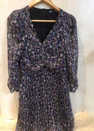 Zara Chiffon Kleid mit Blümchen | Blumen