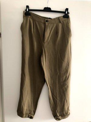 Zara Pantalon fuselé kaki
