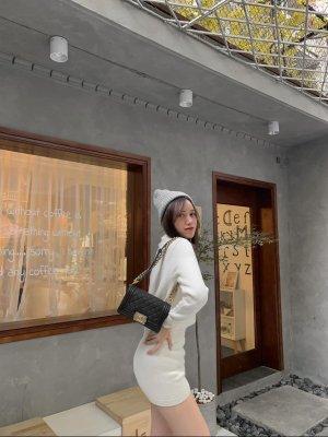 Zara cremefarbener Overall aus Webstoff in L